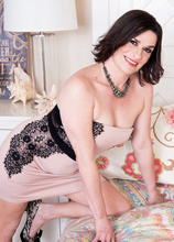 First-timer Michele Marks rocks our world - Michele Marks and Donnie Rock (45 Photos) - 40 Something