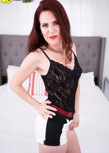 Jazmin's first time is with JMac - Jazmin Cox and J Mac (44 Photos) - 40 Something