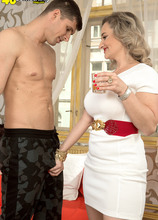Amelie's first time - Amelie Azzure and Kristof Cale (62 Photos) - 40 Something