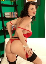 Danielle Will Drive You Mad, Men! - Danielle Reage (63 Photos) - 40 Something