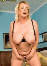 Horny Housewife - Faith Morgan (39 Photos) - 40 Something