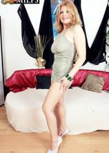 Prelude to anal - Suzy (49 Photos) - 50 Plus MILFs