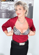 Constance cums and wants you to cum, too - Constance Joy (60 Photos) - 50 Plus MILFs