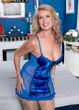 Welcome The New Hot Mama - Laura Layne and Rocky (45 Photos) - 50 Plus MILFs
