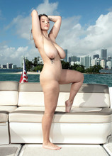 Boating On The Bay With Daria - Daria (110 Photos) - Scoreland