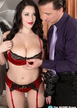 How To Make A Model - Noelle Easton and Tony D'Sergio (80 Photos) - Scoreland